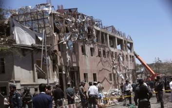 Εικόνες χάους στην Καμπούλ με 80 νεκρούς από την έκρηξη