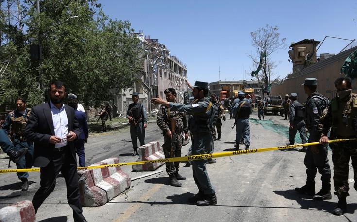 Ζωσμένος με εκρηκτικά καμικάζι ανατινάχτηκε στην Καμπούλ