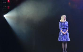 Η γυναίκα που βάζει 186 εκατ. δολάρια στην τσάντα της από την αποτυχία της Yahoo