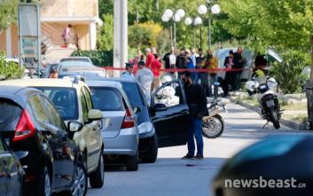 Νεκρός άνδρας μετά από πυροβολισμούς έξω από σχολείο στα Γλυκά Νερά