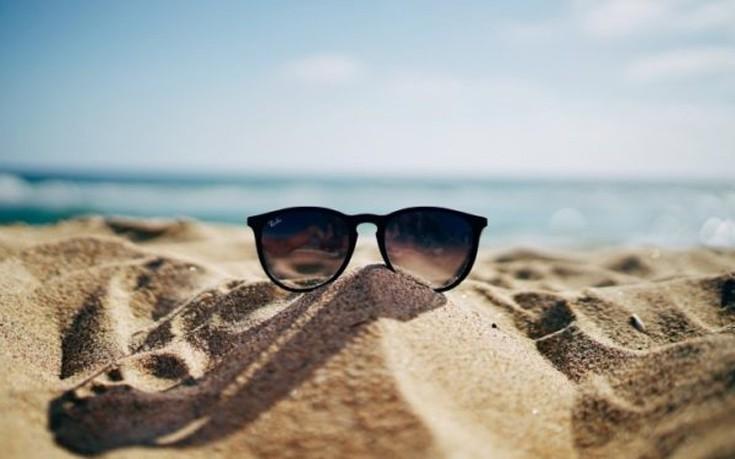 Ποιους προορισμούς θα προτιμήσουν φέτος οι Έλληνες για τις διακοπές τους;
