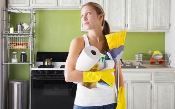 Δέκα μυστικά καθαριότητας που θα σας λύσουν τα χέρια