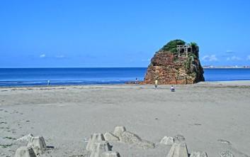 Το ιερό ιαπωνικό νησί όπου απαγορεύονται οι γυναίκες και οι άντρες κυκλοφορούν γυμνοί