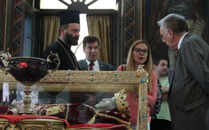Προσκύνημα στην Αγία Ελένη από τον πρέσβη της Αυστραλίας στην Αθήνα