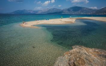 Επτά «άγνωστες» και πανέμορφες παραλίες της Εύβοιας