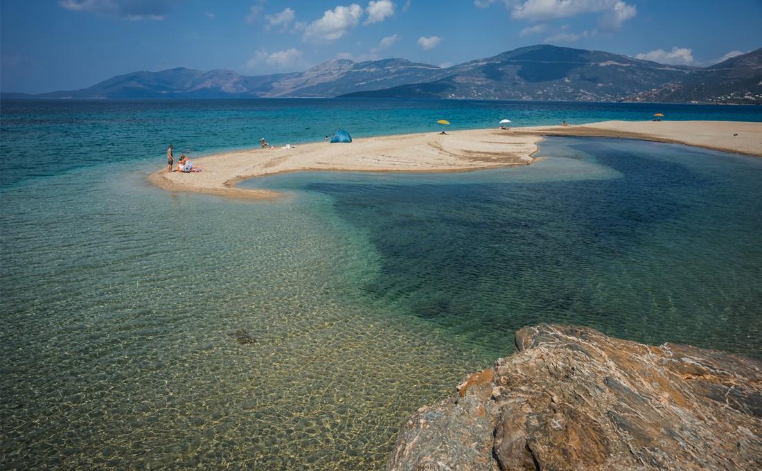 Έξι «άγνωστες» και πανέμορφες παραλίες της Εύβοιας