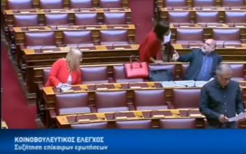 Χαμός στη Βουλή με Ασημακοπούλου και Συρμαλένιο: «Αν είσαι άντρας πες το δημόσια»
