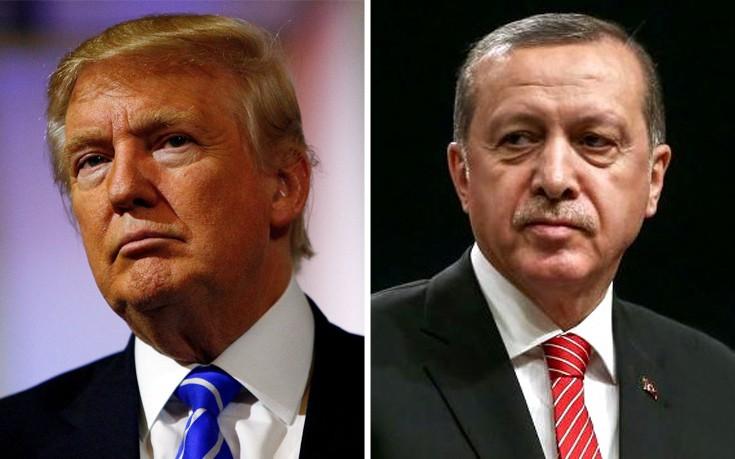 Ερντογάν: Θα ανταποδώσουμε πολιτικά τα εντάλματα σύλληψης που εξέδωσαν οι ΗΠΑ