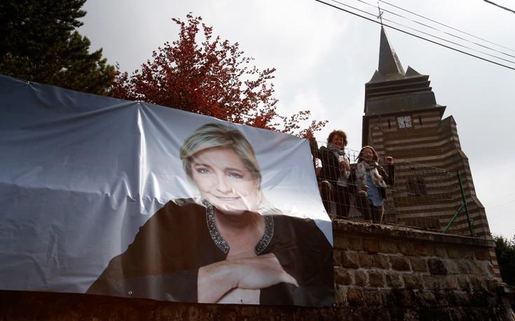 Η Μαρίν Λεπέν κέρδισε σε 45 εκλογικές περιφέρειες στη Γαλλία