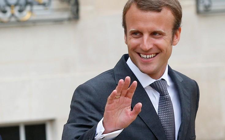Στο ιστορικό ρεκόρ του 58% η αποχή στη Γαλλία σύμφωνα με εκτιμήσεις