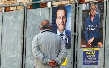 Σάλος στη Γαλλία από την επίθεση χάκερ στα email του Μακρόν