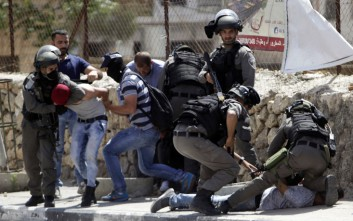 Δεκάδες τραυματίες σε συγκρούσεις Παλαιστινίων και Ισραηλινών