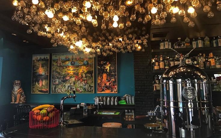 Η «νέα εποχή» του εμβληματικού μπαρ της Κέρκυρας