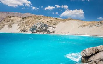 Η πανέμορφη παραλία της Κρήτης με τους αμμόλοφους