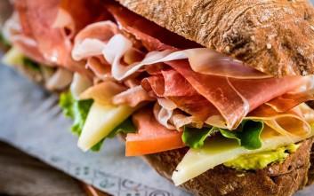 Πέντε στάσεις για ποιοτικό street food στην Αθήνα