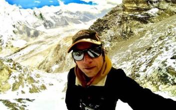 Ορειβάτης κρύφτηκε στο Έβερεστ επειδή δεν πλήρωσε την άδεια για να... ανέβει