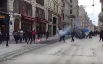 Βίντεο από το κυνηγητό μεταξύ οπαδών Φενέρ και Ολυμπιακού στην Κωνσταντινούπολη