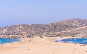 Η παραλία της Ρόδου που περιμένει τον τελικό του Survivor