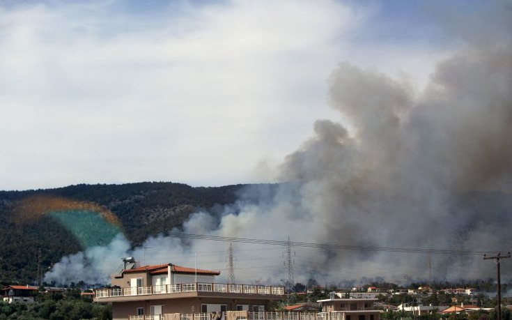 Ζημιές σε σπίτι από την πυρκαγιά στους Αγίους Θεοδώρους
