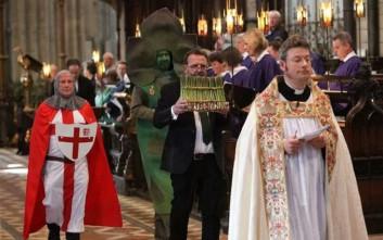 Η εντελώς ιδιαίτερη θρησκευτική έριδα της Βρετανίας για το… σπαράγγι