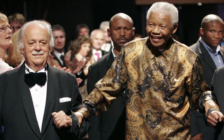 Ο έλληνας πρόσφυγας που έσωσε τον Νέλσον Μαντέλα από βέβαιο θάνατο στη «Δίκη του Αιώνα»