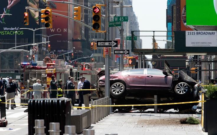 Yπό την επήρεια ουσιών πιθανότατα ο οδηγός που σκόρπισε τον τρόμο στην Times Square