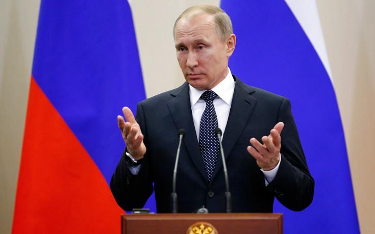 Ο Πούτιν απομάκρυνε 755 Αμερικανούς διπλωμάτες από το ρωσικό έδαφος