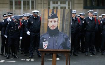 Παντρεύτηκε μετά θάνατον τον σύντροφό του που σκοτώθηκε στο Σανζ Ελιζέ