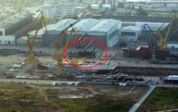 «Κατασκοπικές» φωτογραφίες των κορβετών «στελθ» της Τουρκίας μέσα στο ναυπηγείο τους