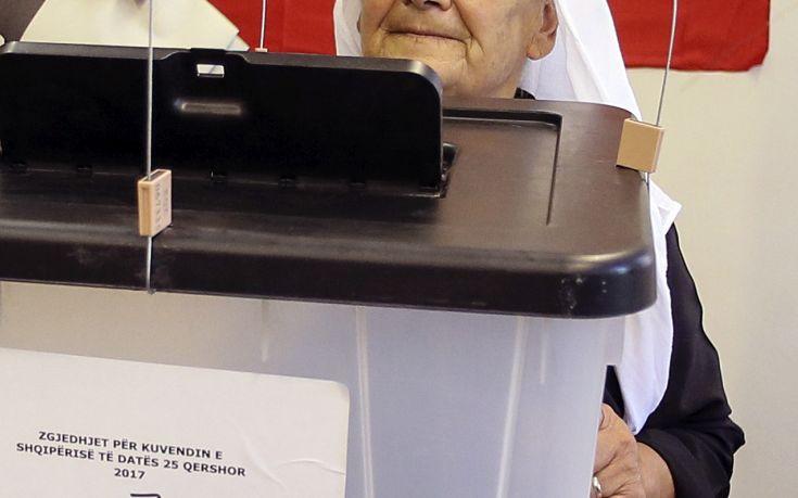 Χαμηλό ποσοστό συμμετοχής στις εκλογές των Ελλήνων της Αλβανίας
