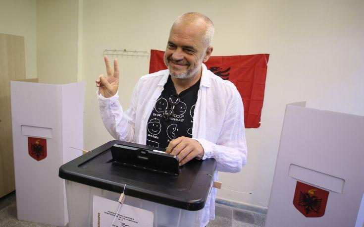 Τι δείχνουν τα πρώτα αποτελέσματα από τις εκλογές στην Αλβανία