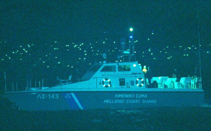 Σε ύφεση η φωτιά που εκδηλώθηκε στο φορτηγό οχηματαγωγό πλοίο «Med Star»
