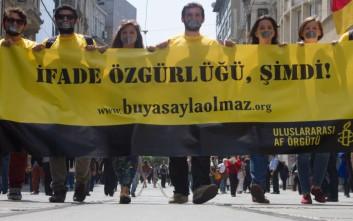 Στη φυλακή ο πρόεδρος του τουρκικού τμήματος της Διεθνούς Αμνηστίας