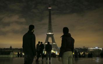 Συνελήφθη άνδρας με μαχαίρι στον Πύργο του Άιφελ