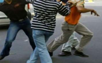 Άγρια συμπλοκή μεταξύ γειτόνων στο Αγρίνιο με τραυματία από τσεκούρι