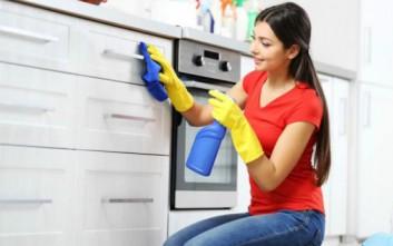 Τρία πολύ βρώμικα αντικείμενα στην κουζίνα που οι περισσότεροι δεν γνωρίζουν