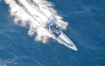 Δεξαμενόπλοιο που μεταφέρει 880 κυβικά πετρέλαιο προσάραξε ανοιχτά της Άνδρου
