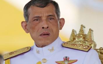 Υπό έρευνα 14χρονος, πυροβόλησε με πλαστικές σφαίρες εναντίον του βασιλιά της Ταϊλάνδης