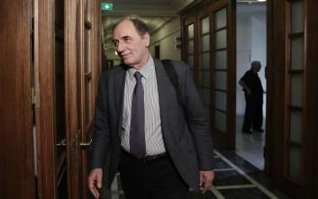 Τι απαντά ο Γιώργος Σταθάκης για την μετάταξη της πρώην συμβούλου του στη Βουλή