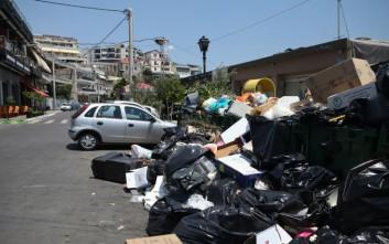 Άμεση λύση για τα σκουπίδια ζητούν οι έμποροι του Πειραιά