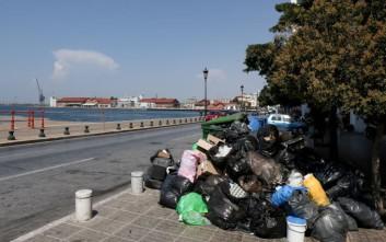 Επείγουσα προκαταρκτική έρευνα για τα σκουπίδια στη Θεσσαλονίκη