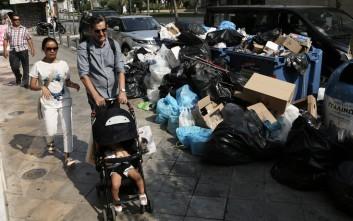 Σύγκρουση κυβέρνησης - αντιπολίτευσης πάνω από τους τόνους σκουπιδιών