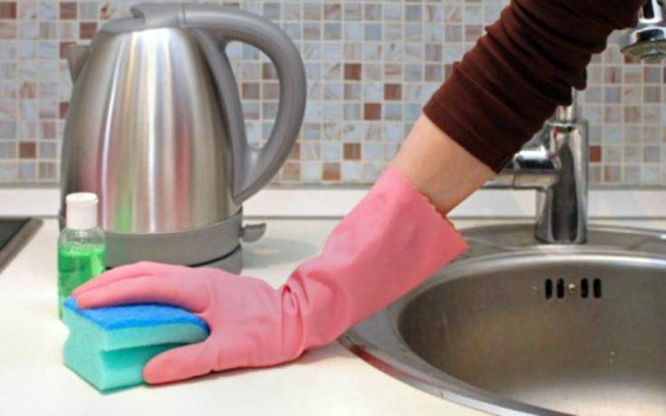 Κάθε πότε πρέπει να πλένουμε σχολαστικά το νεροχύτη