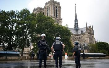 «Μεμονωμένη ενέργεια» η επίθεση στην Παναγία των Παρισίων