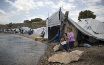 Υπεράριθμοι οι πρόσφυγες σε Διαβατά, Κω, Λέσβο, Σάμο και Χίο