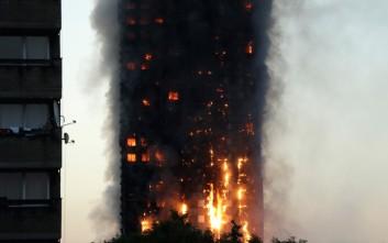 Δεκάδες άνθρωποι συνεχίζουν να ζουν τη τραγωδία του πύργου Γκρένφελ