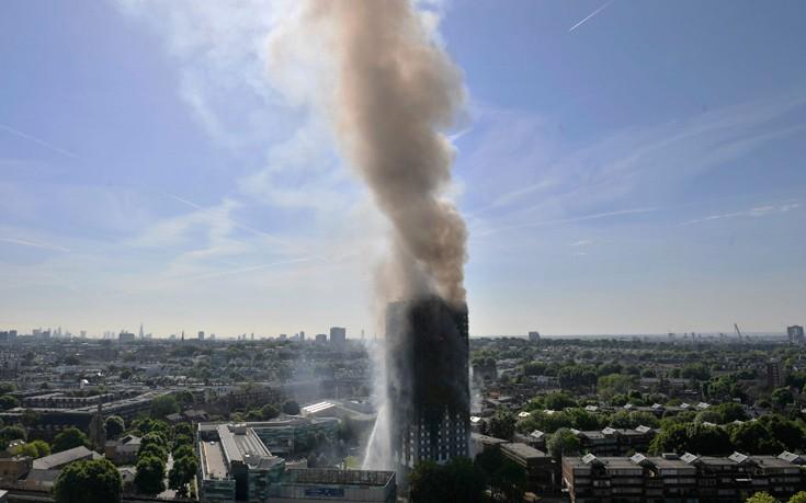 Η τραγωδία στο Λονδίνο μέσα από τον φωτογραφικό φακό