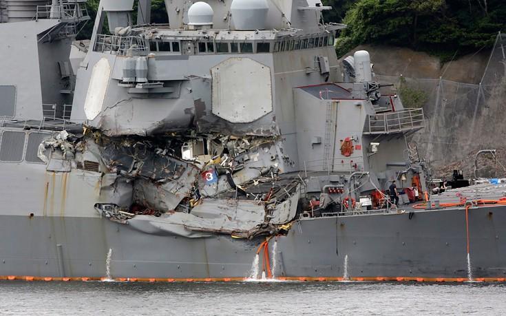 Επτά ναύτες νεκροί από τη σύγκρουση πολεμικού πλοίου με εμπορικό στην Ιαπωνία