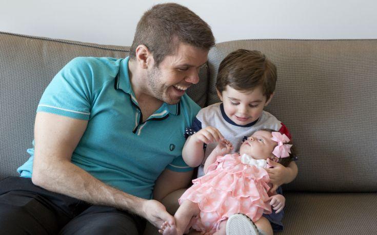 H Google τιμά τους μπαμπάδες όλου του κόσμου