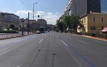 Έρημη πόλη το κέντρο της Αθήνας